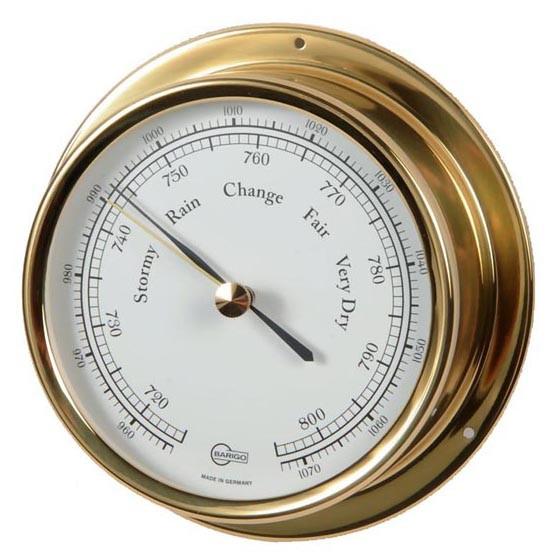 Barometer eingesetzt in ein Messinggehäuse
